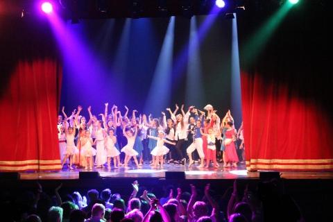 Just Dance, Scuola di Danza